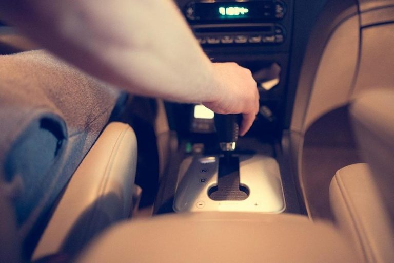 Regularny serwis auta zapobiegnie poważnym problemom w przyszłości