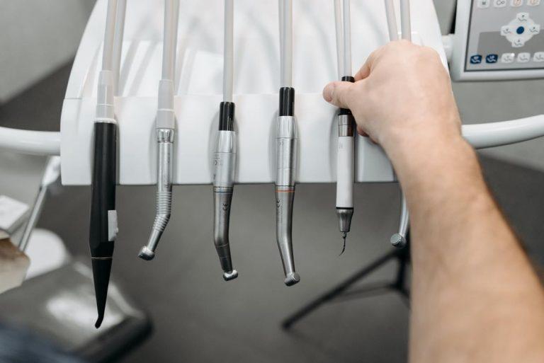 Dlaczego nie należy lekceważyć defektów stomatologicznych?